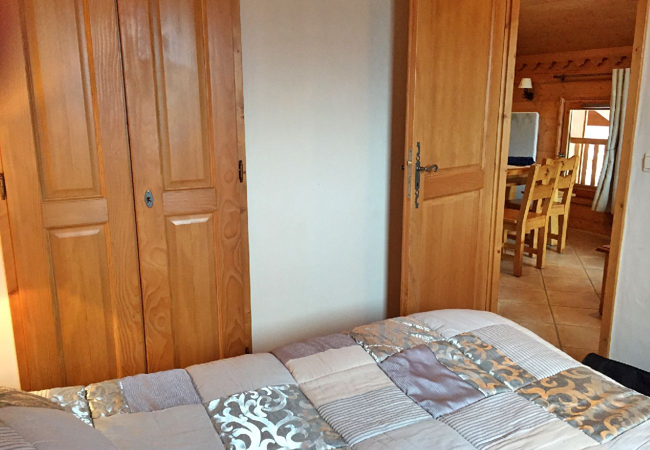 Appartement à Les Carroz d'Arâches - Aux Carroz, location d'un appartement pour 7 personnes - TRA555