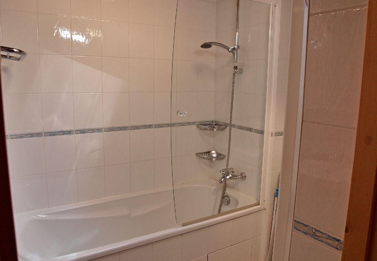 Appartement à Les Carroz d'Arâches - Appartement pour 6 personnes, proche centre - EBR140