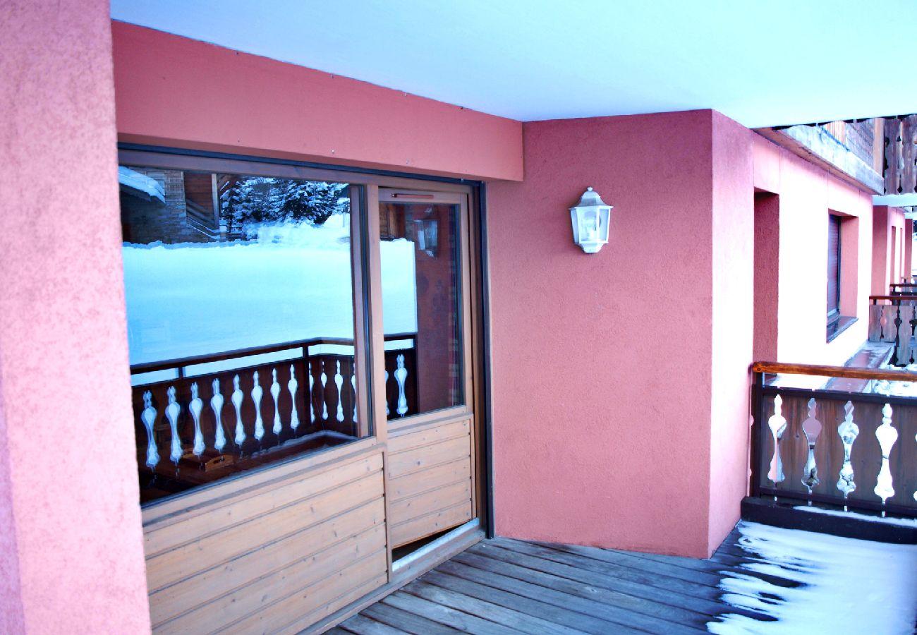 Appartement à Les Carroz d'Arâches - Appartement pour 6 personnes, proche centre - EBR139
