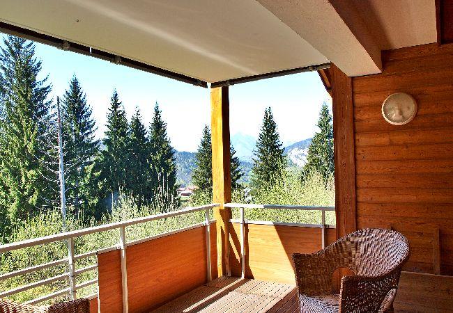Appartement à Arâches-la-Frasse - Location d'un appartement pour 6 personnes avec garage et abris voiture aux Carroz d'Arâches, Haute-Savoie
