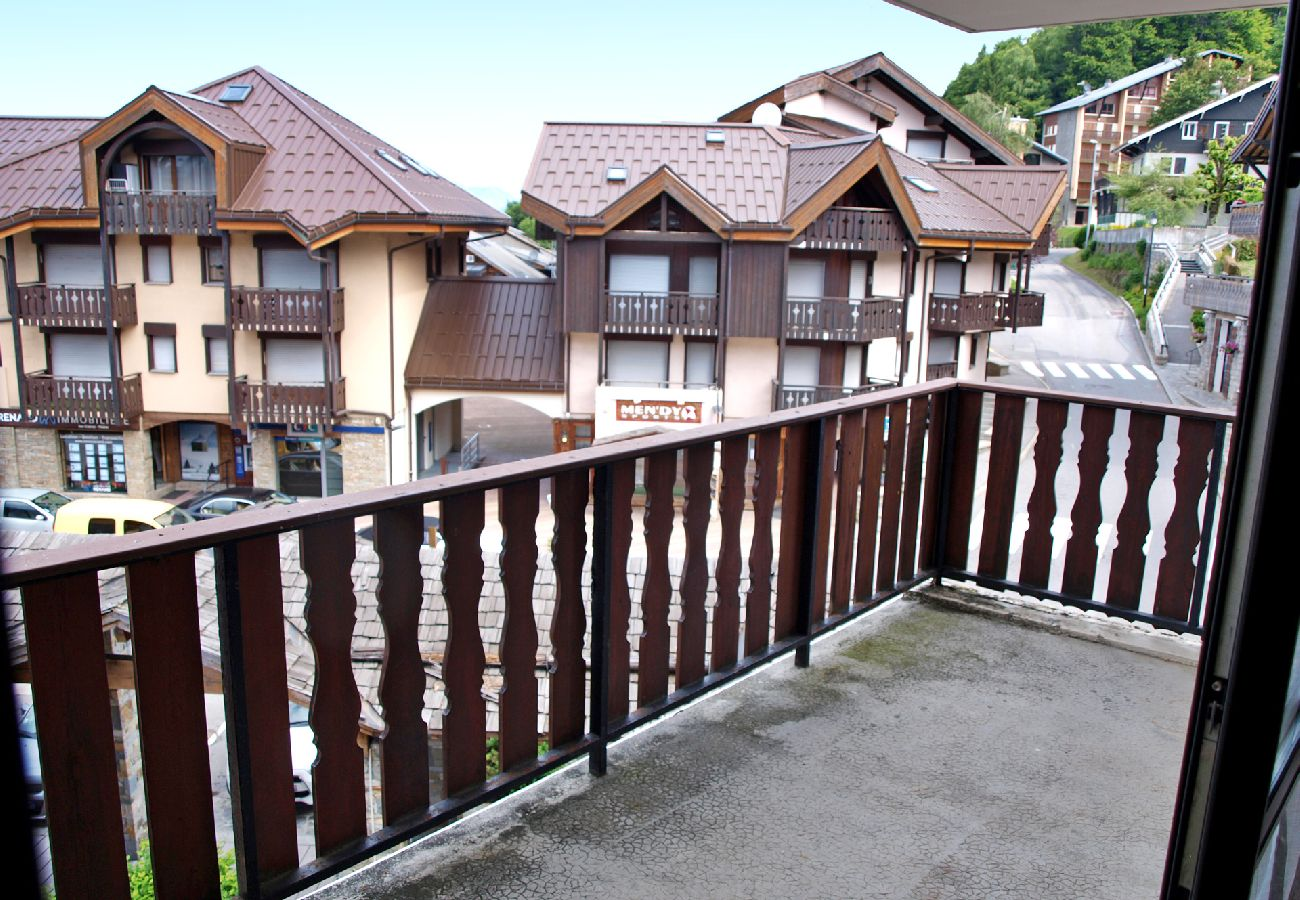 Appartement à Les Carroz d'Arâches - Centre station, appartement 6 personnes - PLA426