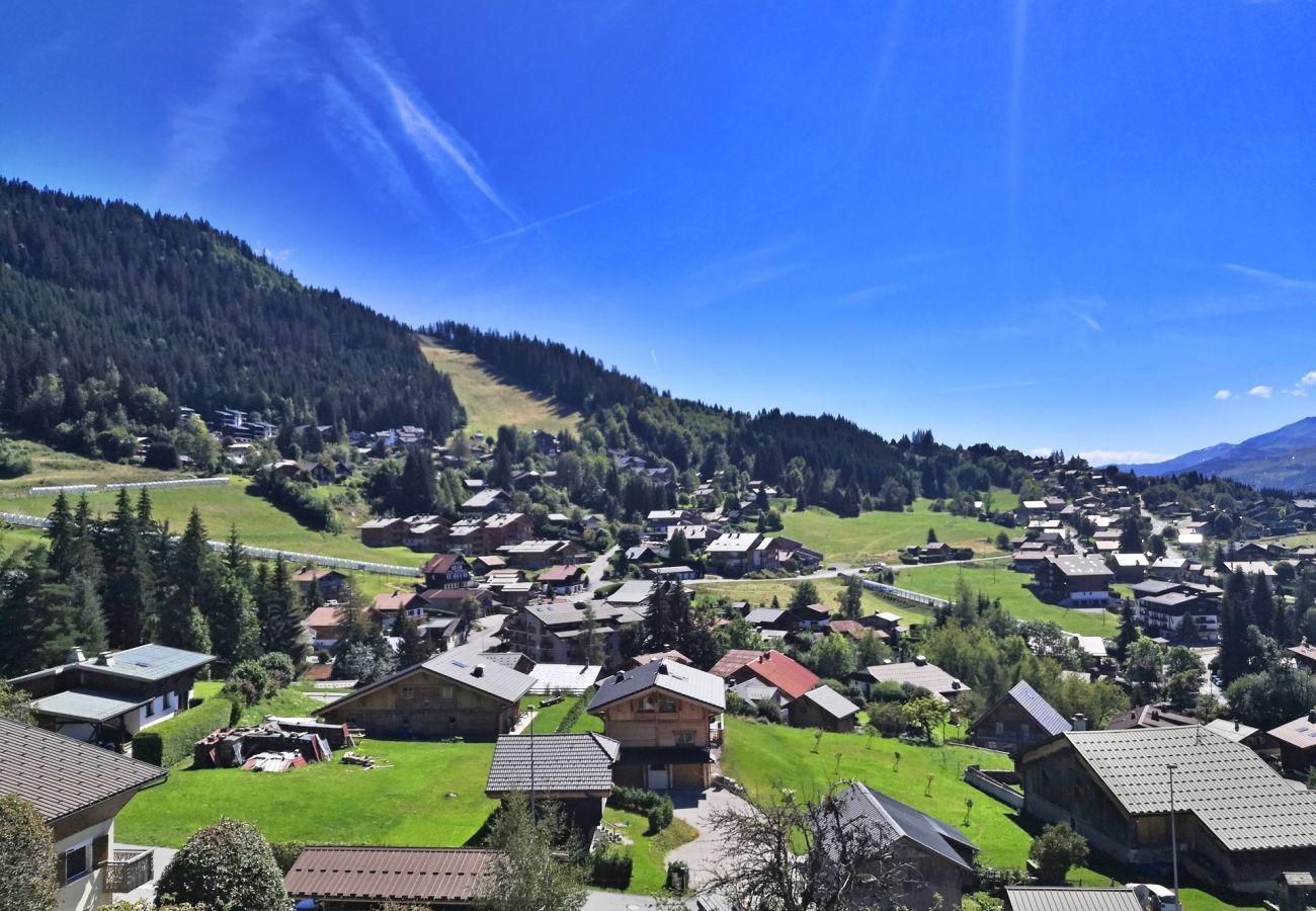 Chalet à Les Carroz d'Arâches - Chalet 6 personnes, proche centre et pistes - FLE585