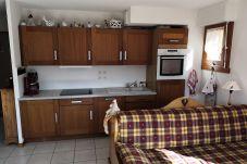Appartement à Les Carroz d'Arâches - A 800 mètres du centre,  appartement  de type 3 pièces pour 4-6 couchages